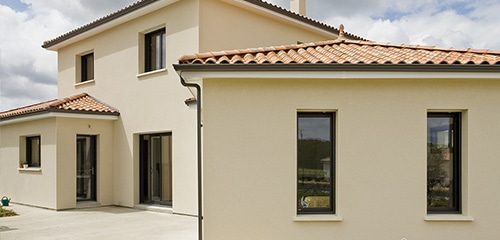 fenetres aluminium sur mesure harmoniser les facades