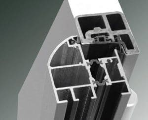 Isolation thermique des portes d'entrée métal
