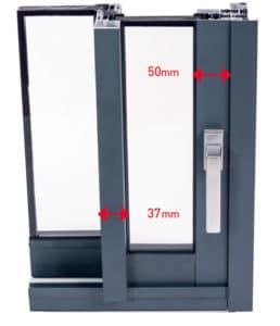 detail fenetre sur mesure en aluminium gamme Alizea